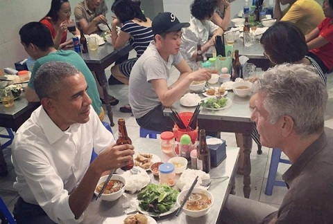 video-clip-tong-thong-obama-tai-quan-bun-cha-ha-noi