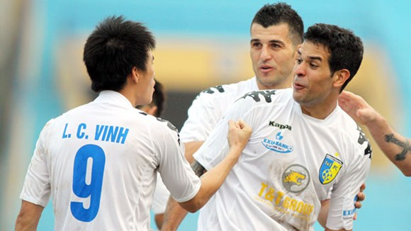 vua-pha-luoi-v-league:-giac-mo-voi-cau-thu-noi