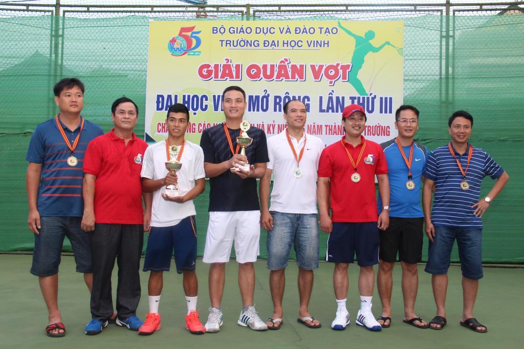 giai-tennis-dai-hoc-vinh-mo-rong-lan-thu-3-chao-mung-55-nam-ngay-thanh-lap-truong
