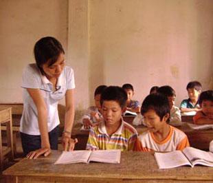 ve-che-do-khen-thuong-doi-voi-hoc-sinh-sinh-vien-gioi-va-giao-vien-day-gioi