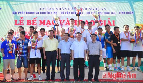 be-mac-giai-quan-vot-cup-truyen-hinh-nghe-an-lan-thu-2-nam-2014
