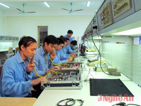 truong-dh-su-pham-ky-thuat-vinh:-1000-chi-tieu-he-dh-chinh-quy