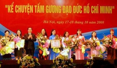 hoc-va-lam-theo-bac-de-phung-su-dat-nuoc-phung-su-nhan-dan